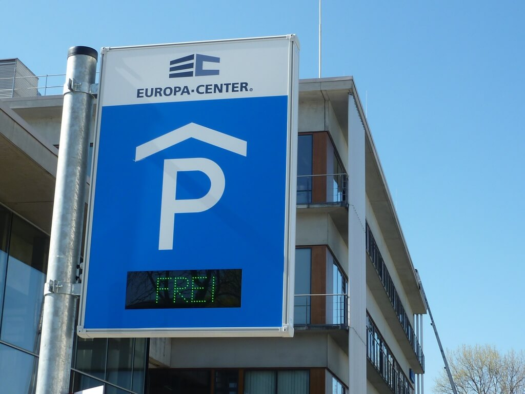 Neues Parkhaus eröffnet – Parken in Adlershof!