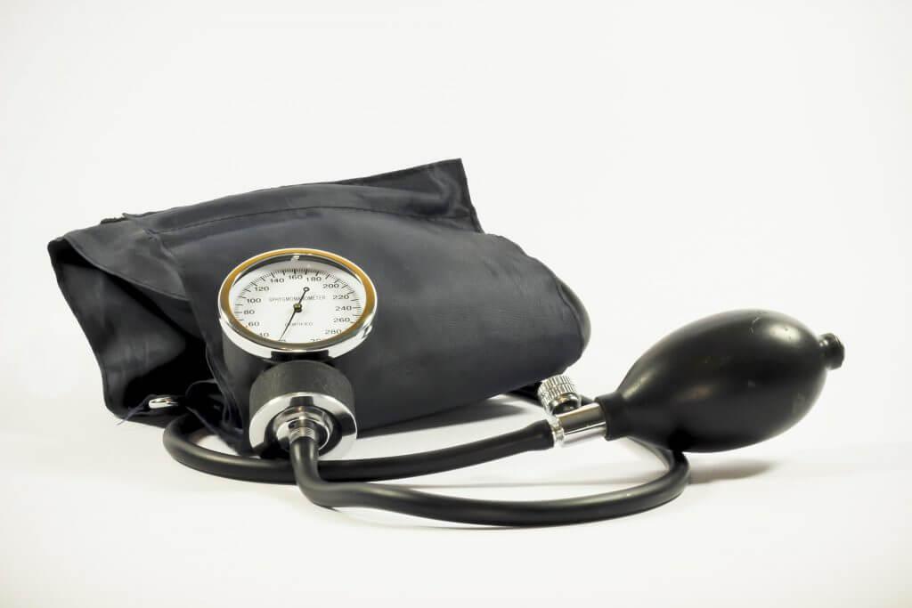 Überprüfung Ihres Blutdruckmeßgerätes